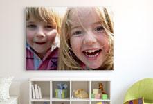 enfants-rire-chambre-proche-plexiglas