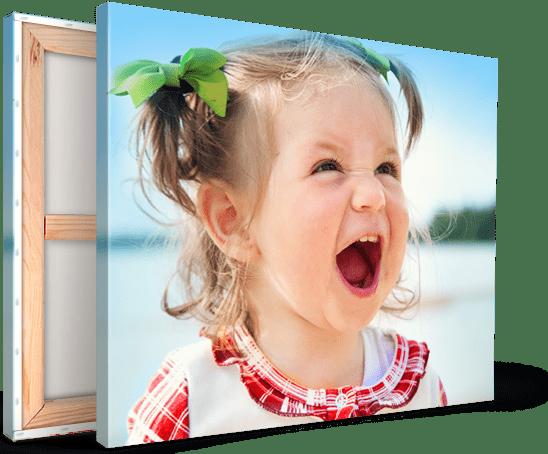 toile-landing-petite-fille-criant-riant